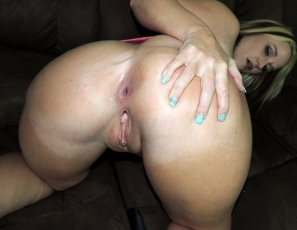 content/20130709_ms_couchgangbang/2.jpg